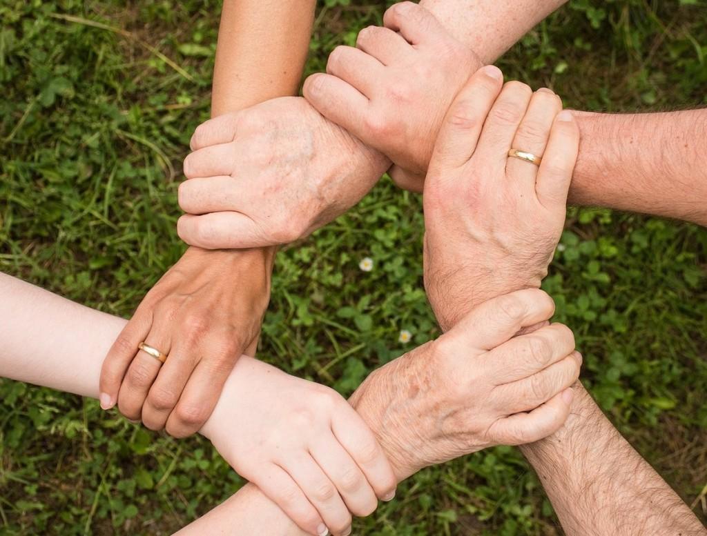 mani -Inclusione-con
